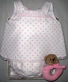 Canastilla de bebe rosa modelo Topitos